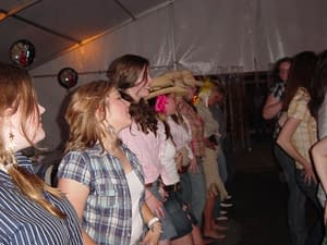 LADIES LINE DANCING