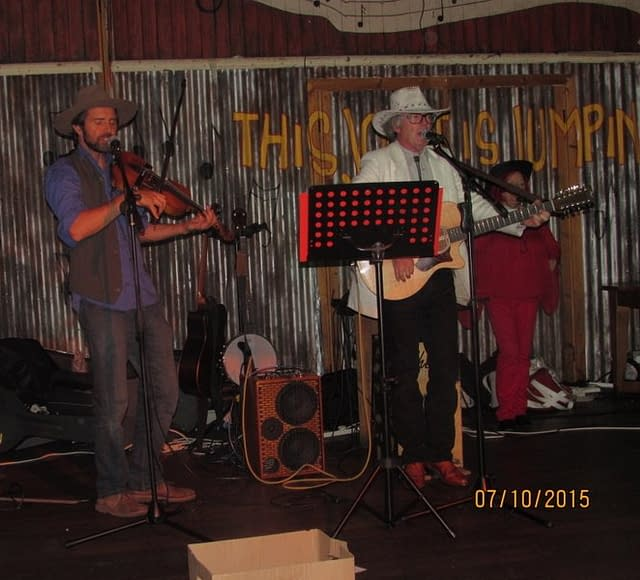 LIVE BARN DANCE BANDSBARN DANCE BANDS
