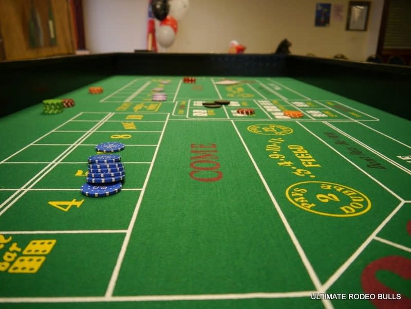 CRAPS/ DICE TABLE